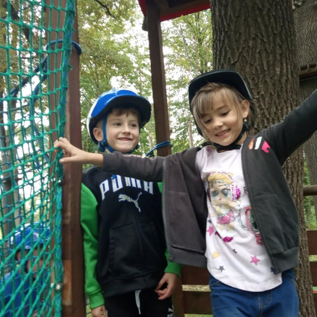 Wycieczka starszaków do parku linowego w sękowej